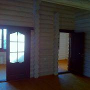 Дом из дерева внутри.