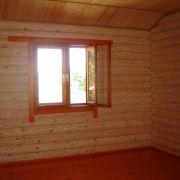 Комната в доме из массива дерева